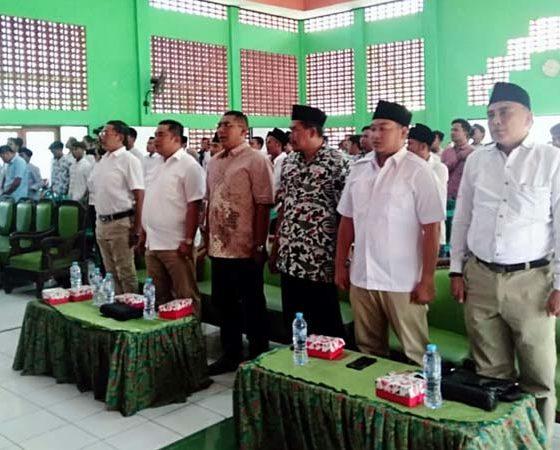 Politisi partai Gerindra dalam kegiatan pendidikan politik