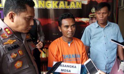 Kapolres Bangkalan AKBP Rama Samtama Putra saat merilis ungkap kasus penganiayaan dan pembunuhan