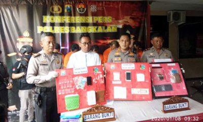 Kapolres Bangkalan AKBP Rama Samtama Putra saat merilis kasus narkoba, (8/1/2020)