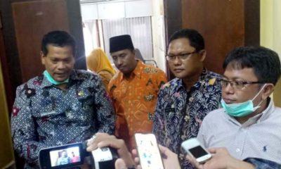 Ketua Komisi D (Kiri) bersama Kapus Sukolilo dan Sekretaris Dinas Kesehatan